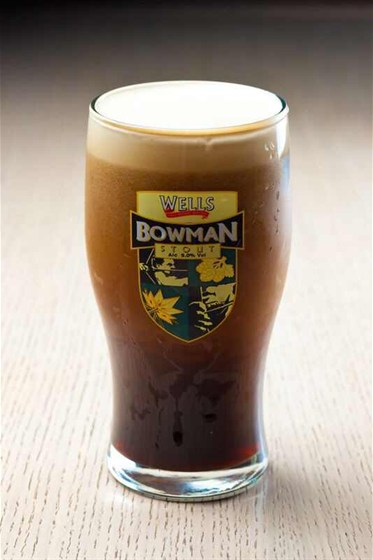 Ресторан Гриль-хофф - фотография 24 - Пиво Боуман . Единственный английский стаут который до сих пор подается в Букенгемском дворце...