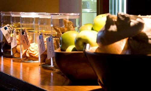 Ресторан Мио - фотография 9 - Домашнее печенье и безе