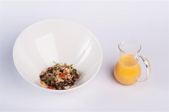 Ресторан 16th Line - фотография 12 - Меню. Суп-крем из тыквы с лесными грибами и беконом.