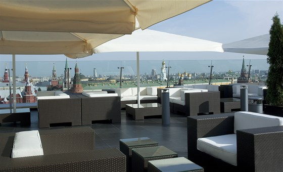 Ресторан O2 Lounge - фотография 16 - Летняя терраса O2 Lounge