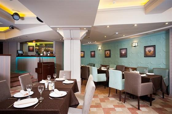 Ресторан Ротонда - фотография 3 - большой  зал