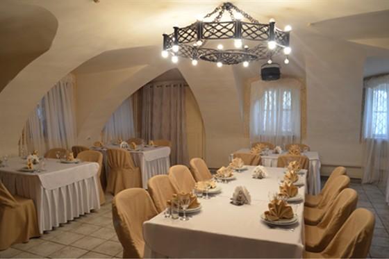 Ресторан Табурет - фотография 22 - Белый Зал