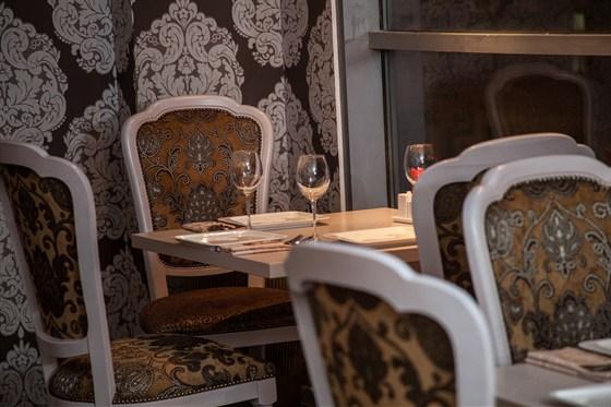 Ресторан La familia - фотография 15 - Зал кофейни