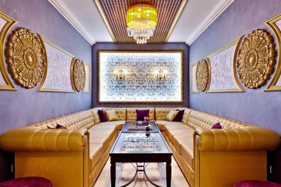 Ресторан Подполиум  - фотография 2 - Вип-зал ресторана на цокольном этаже
