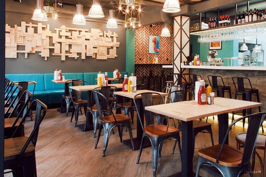 Ресторан Вино и бургер - фотография 25