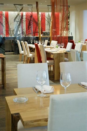 Ресторан Апрель - фотография 5