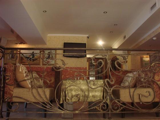 Ресторан Жизнь удалась - фотография 2 - Уютные отдельные помещения