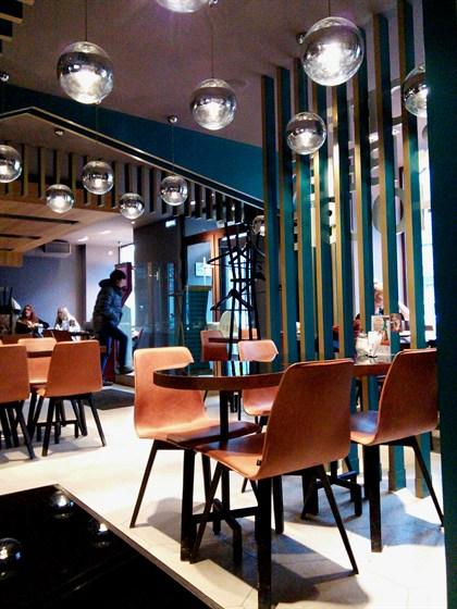 Ресторан Кофе-хауз - фотография 1 - Зал для некурящих.
