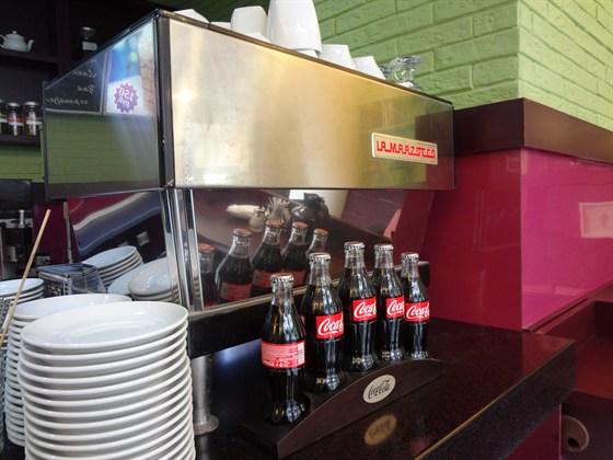 Ресторан Me Gusta Café - фотография 3 - Легендарная кофемашина La-Marzocco в Me Gusta Cafe