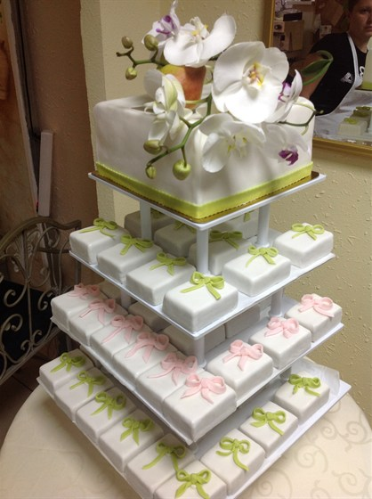 Ресторан Веанжи - фотография 5 - свадебный тортик