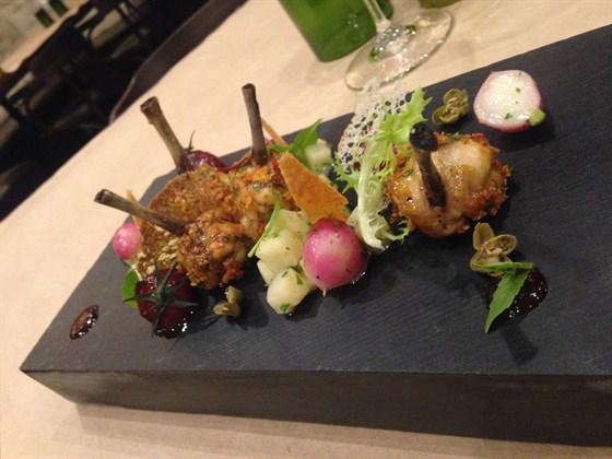 """Ресторан Terravino - фотография 3 - Куриные крылышки """"Чупс"""""""