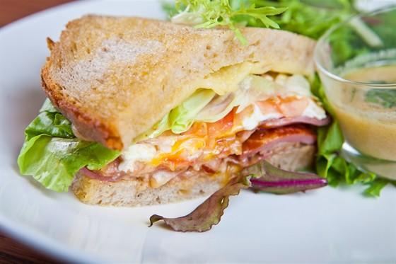 "Ресторан Булка - фотография 11 - Сэндвич ""Франглиш"""
