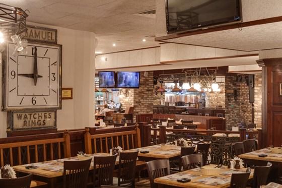 Ресторан Максимилианс - фотография 33