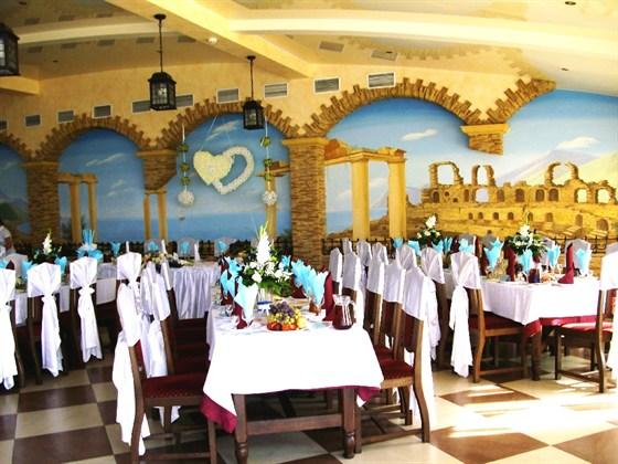 Ресторан Метрополь - фотография 12 - Большой зал ресторана Метрополь на 180 персон, правое крыло