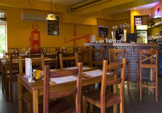 Ресторан Code 011 - фотография 15