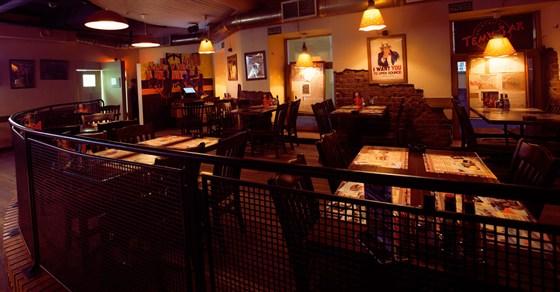 Ресторан Тема - фотография 10 - Второй зал