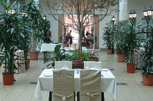 Ресторан Нобиль Сквер - фотография 1