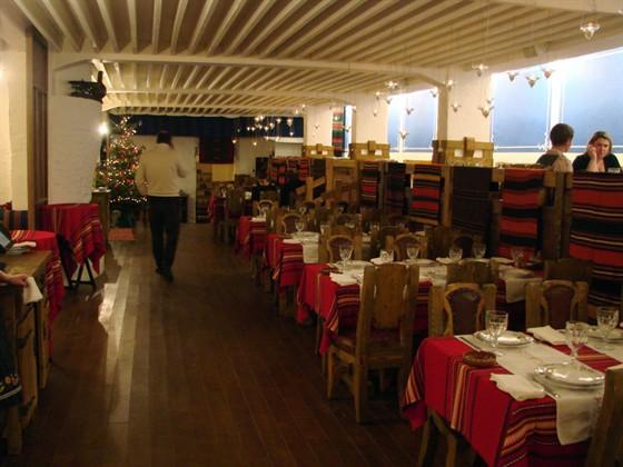 Ресторан Баба Марта - фотография 14 - Основной зал