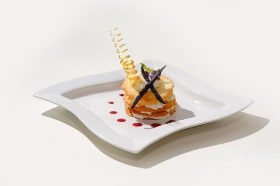 Ресторан Fantasia del Mare - фотография 11 - Мильфей с кокосовым муссом