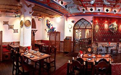 Ресторан Павлин-мавлин - фотография 3 - Второй зал