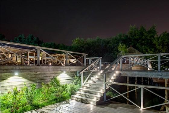 Ресторан Soho Country Club - фотография 4 - Вид на террасу