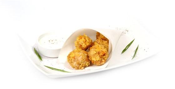 Ресторан Вкуснолюбов - фотография 20 - Куриные крокеты со сметанно-луковым соусом.