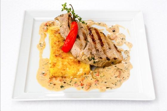 """Ресторан Де Марко - фотография 8 - Буженина с картофелем  """"гратен'' и горчичным соусом"""