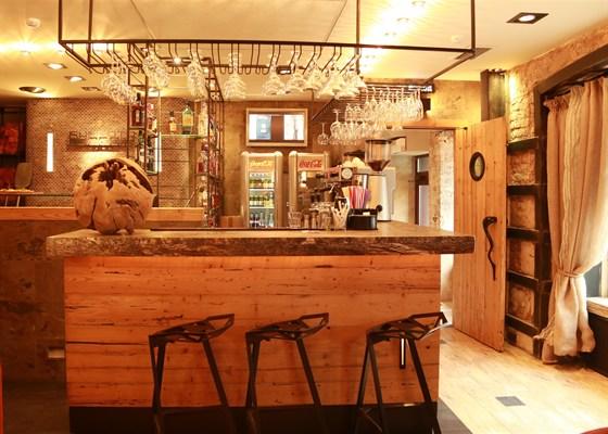 Ресторан Burrata - фотография 3