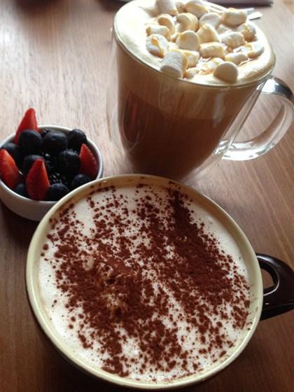 Ресторан OMG! Coffee - фотография 1 - Капучино и Тирамису