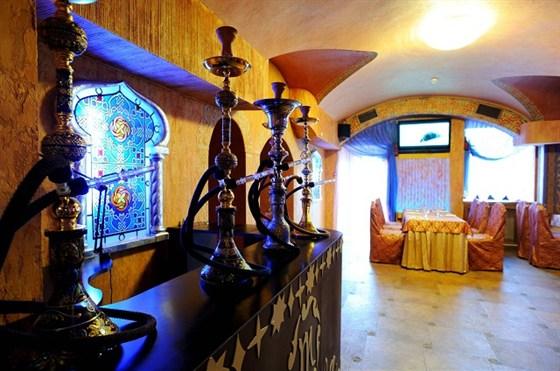 Ресторан Мархаба - фотография 8 - Кальянный стол
