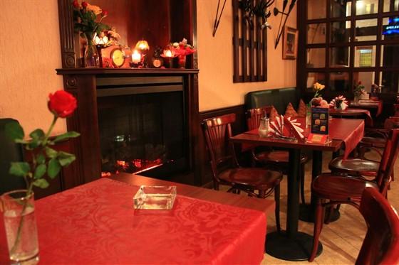 Ресторан Кофешенк - фотография 1 - сказочный вечер около камина в приятной компании!