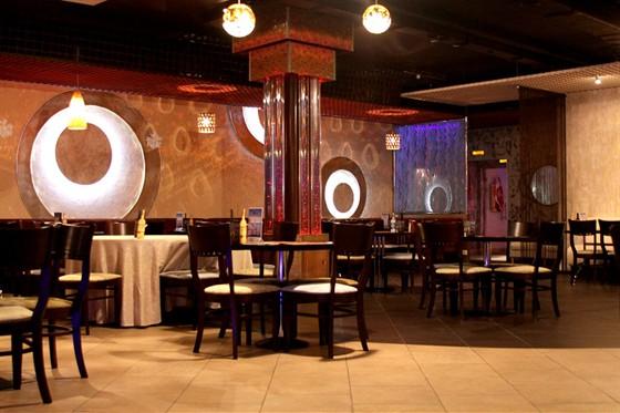 Ресторан Капли - фотография 1 - Основной зал