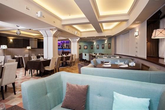 Ресторан Ротонда - фотография 2 - большой  зал ( посадка  более 80 мест )