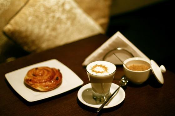 Ресторан Coffee Is - фотография 7