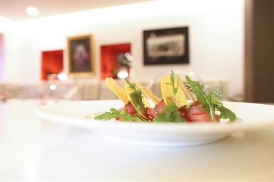 Ресторан Cinq sens - фотография 7 - Лосось тандури