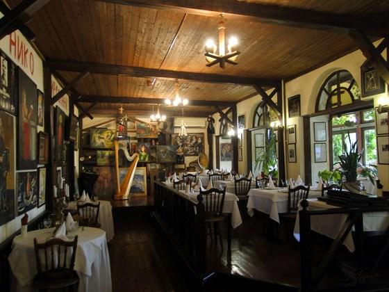 Ресторан У Пиросмани - фотография 11 - Зал ресторана