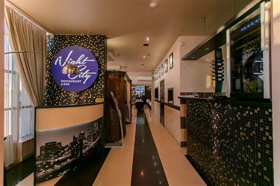 Ресторан Night City - фотография 8