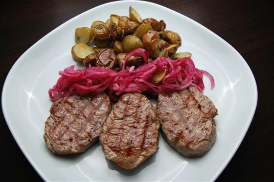 Ресторан Felice - фотография 13 - Медальоны из говядины с Baby-картофелем 580 руб