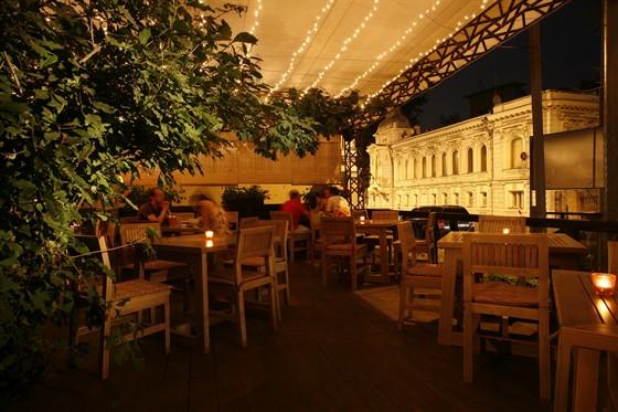 Ресторан Дайкон - фотография 8 - Летняя веранда