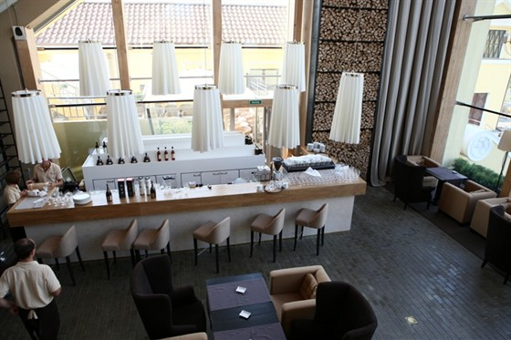 Ресторан Tribune - фотография 6 - барная стойка