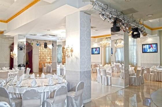 Ресторан Колесо времени - фотография 7 - Главный зал 200 персон