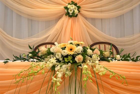 Ресторан Шереметьевский - фотография 18 - Свадебный президиум