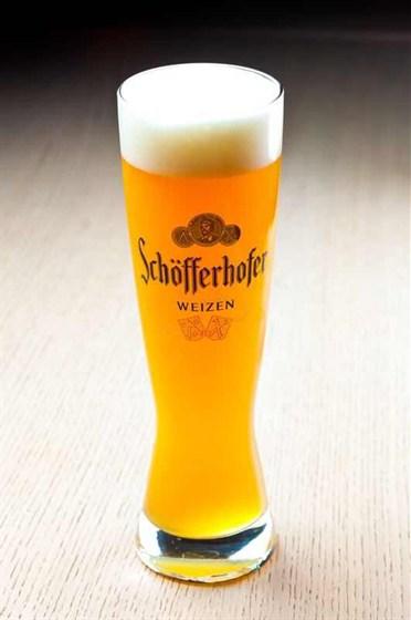 Ресторан Гриль-хофф - фотография 23 - Шофферхофер. Если Вы являетесь любителем нефельтрованного пива, то этот вариант просто идеально Вам подходит.