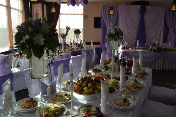 Ресторан Апельсин - фотография 3 - Оформление столов для свадьбы