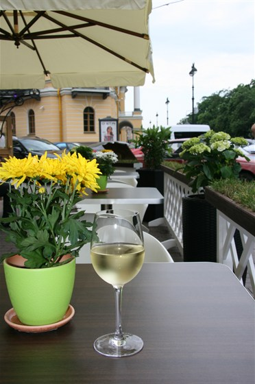 Ресторан Тандур - фотография 3 - Терраса с видом на Алескандровский сад