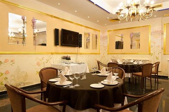 Ресторан Валимар - фотография 9 - Золотой зал