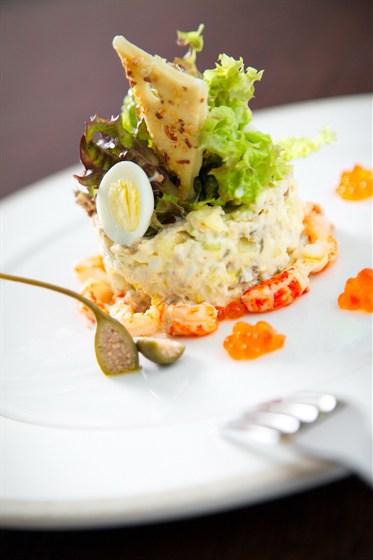 Фото украшения салатов из ресторанов