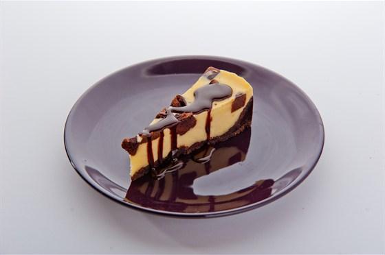 Ресторан Bontart - фотография 9 - Чизкейк брауни!