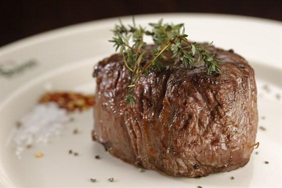 Ресторан Бизон - фотография 3 - Филе стейк