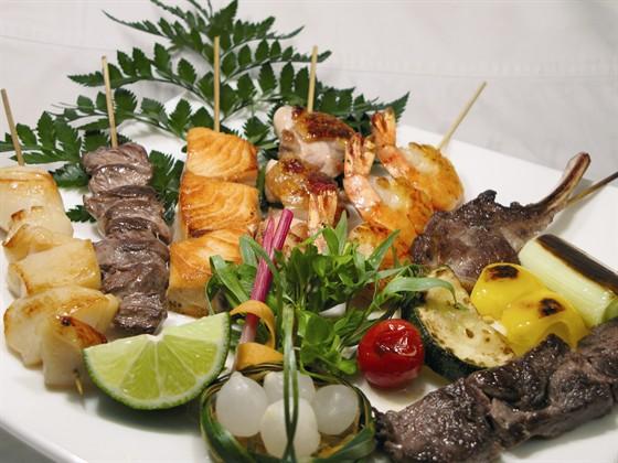 "Ресторан Сушишеф - фотография 4 - Ассорти шашлычков из меню ""Сушишеф"""